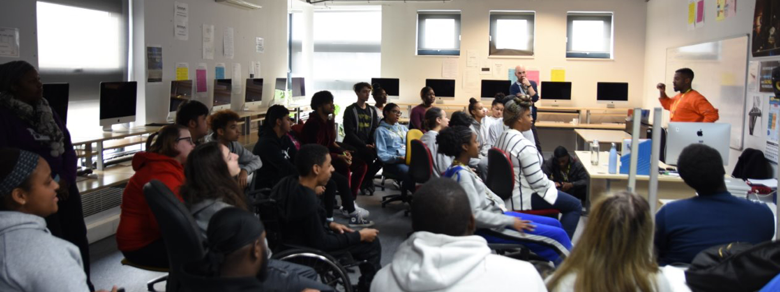 Vlogstar Challenge comes to NewVIc!