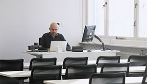 University of Manchester standardises on bespoke Loxit desks