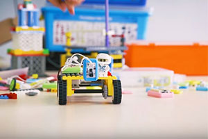 DFRobot - robotics teaching in action in a classroom